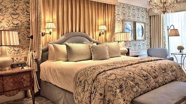Das Schlafzimmer der Parisian Suite: 140 m2 Pariser Lebensgefühl.