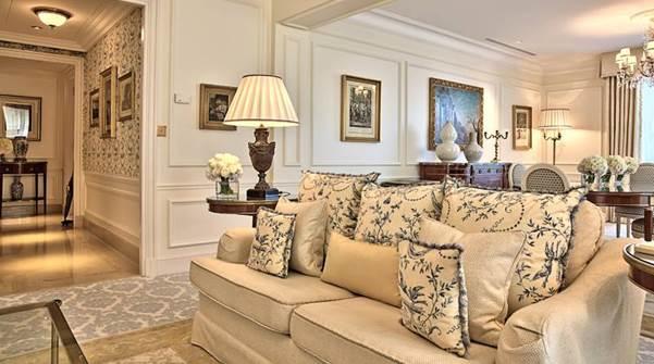 Parisian Suite. Hier 'wohnt' man. Keine andere Suite des Hauses vermittelt so sehr das Gefühl, zuhause zu sein.