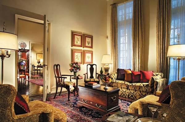 Eine von 5 'Grand Hotel Suites' im Raffles, sie gelten als die schönsten des Hauses.